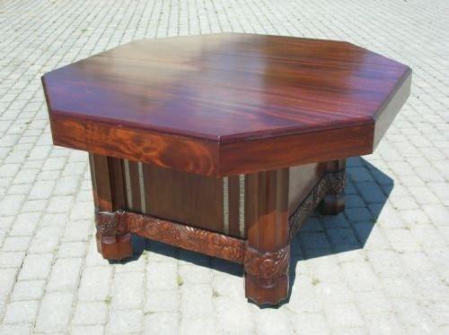 Antiker Esstisch aus Mahagoni