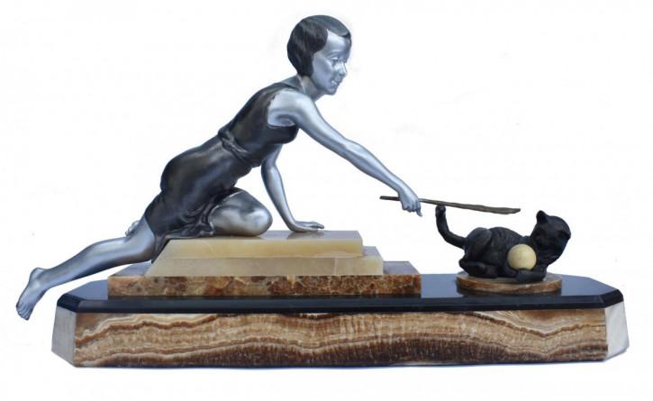 Französische Frauenfigur auf Marmorsockel 1930 antik