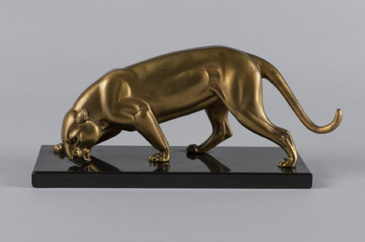 französische Art-Déco-Pantherskulptur aus Zink vergoldet 1930 antik