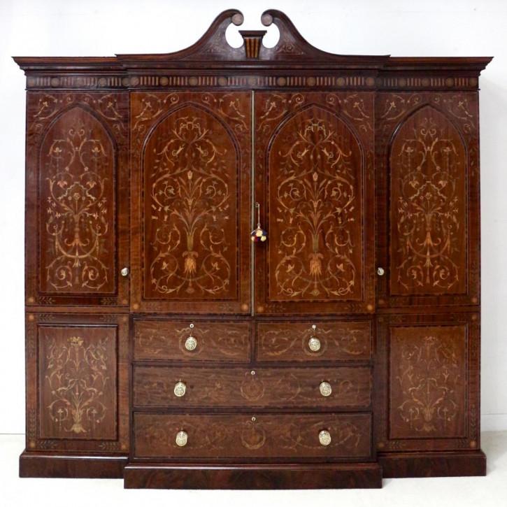 Premium! Antiker Kleiderschrank aus Mahagoni mit Intarsien aus dem 19. Jahrhundert von edwards & roberts of london