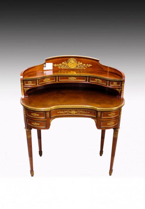 Premium! Antiker französischer nierenförmiger Damenschreibtisch aus vergoldeter Bronze von sehr guter Qualität.