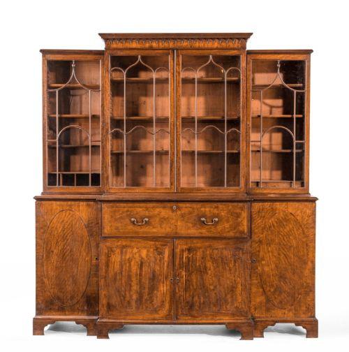 Antiker Bücherschrank aus der George-III-Periode aus Mahagoni Massivholz