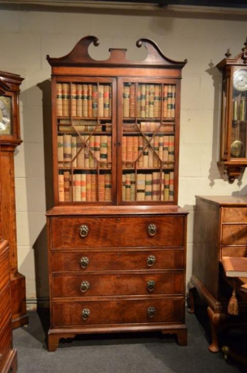 Prächtiger Sekretär- und Bücherschrank aus Mahagoni Massivholz um 1800 antik