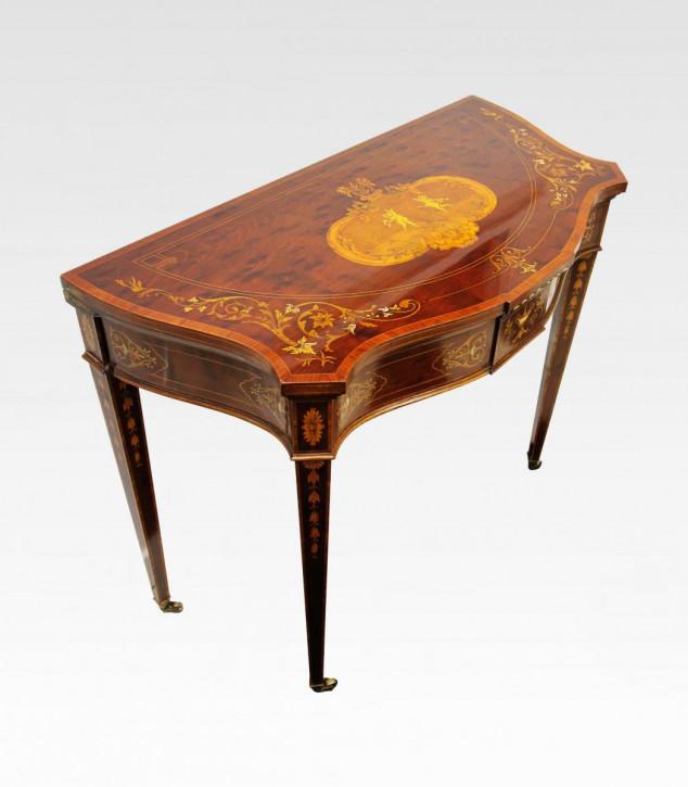 Viktorianischer Spieltisch von Edwards & Roberts aus Mahagoni Massivholz antik