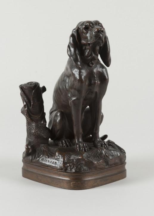 Antike französische Bronzeskulptur eines Jagdhundes