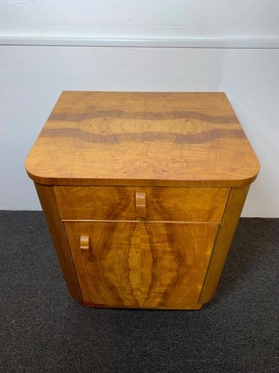 Antiker Art-déco Nachttisch aus Massivholz um 1930