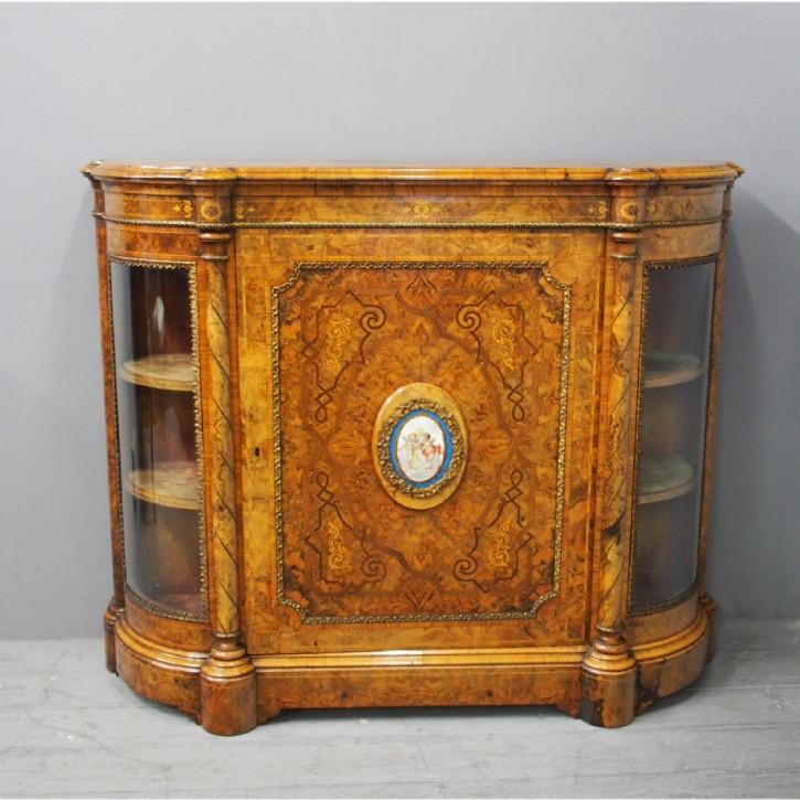 Antikes viktorianisches Walnuss Sideboard