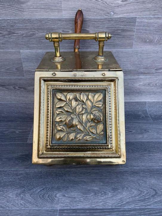 Antike hochwertige Messing-Kohle-Box mit originaler Auskleidung und Kohleschaufel