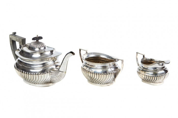 Viktorianisches, dreiteiliges Teeservice versilbert, antik 19. Jahrhundert
