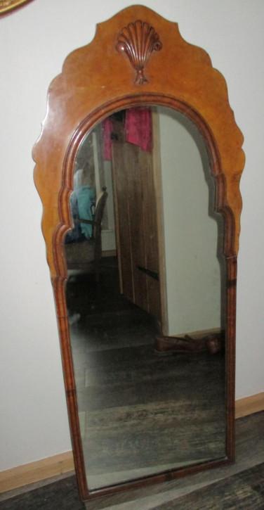 Antiker Spiegel aus Massivholz aus den 1920er Jahren