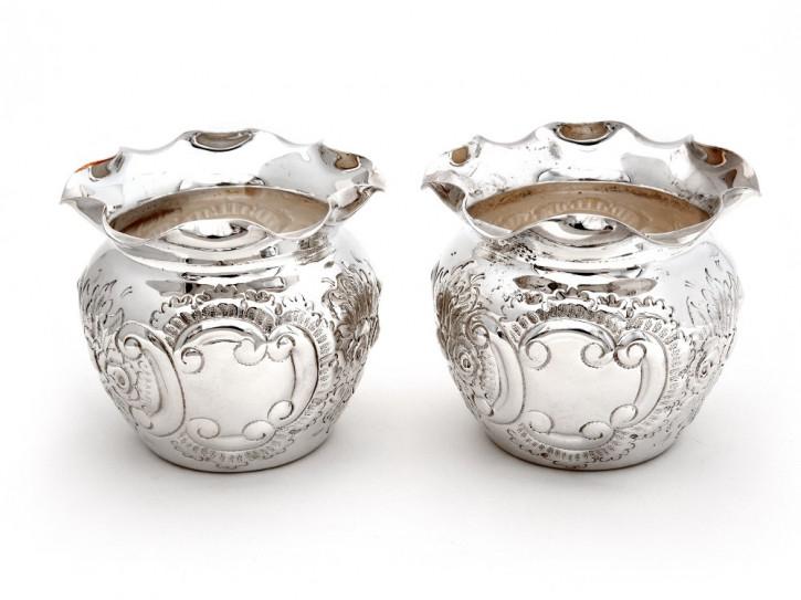 Antikes Paar viktorianischer kugelförmigen versilberter Kupferblumentöpfe
