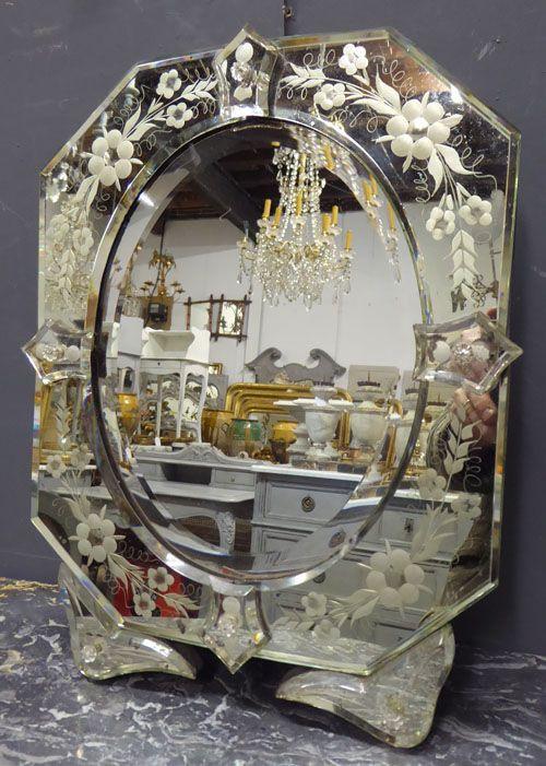 Antiker venezianischer Schminktischspiegel