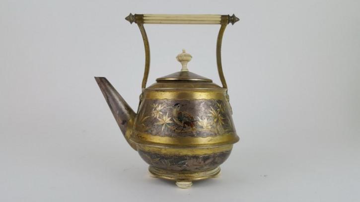 Antike englische, versilberte und vergoldete Teekanne aus dem 19. Jahrhundert,