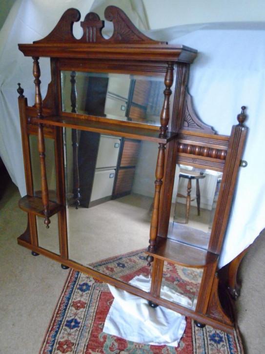 Antiker edwardianischer Overmantle / Spiegel aus Walnussholz