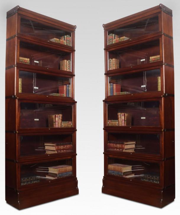 Paar antiker Bücherschränke von Globe Wernicke