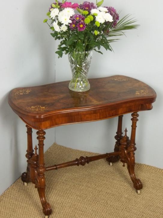 Antiker Games Table aus Wurzelnussholz Massivholz 1860