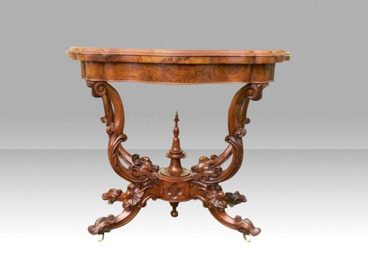 Antiker Games Table aus Wurzelnussholz Massivholz 1870