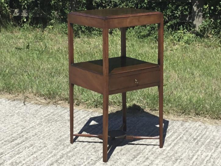 Antiker spätgeorgianischer Mahagoni-Nachttisch