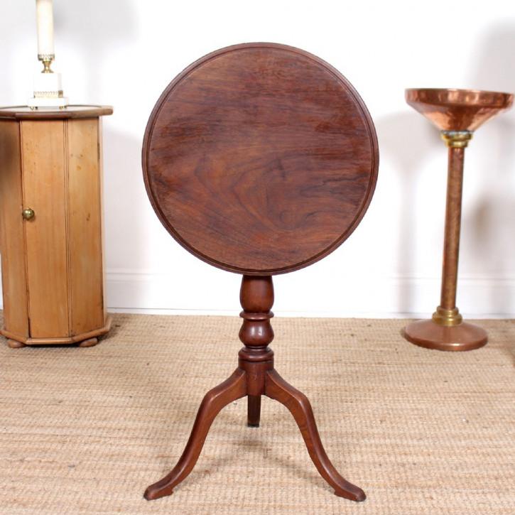 Antiker Beistelltisch/Occassional Table aus Eiche Massivholz 1880