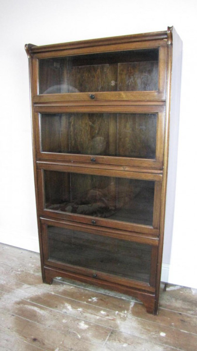 Antiker Bücherschrank im Globe Wernicke Stil