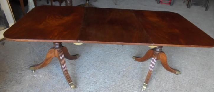 Antiker Esstisch aus Mahagoni Massivholz 1790