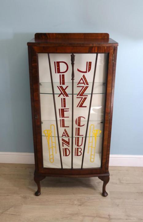 Vintage Dixieland Jazz Club Vitrine mit Bogenfront