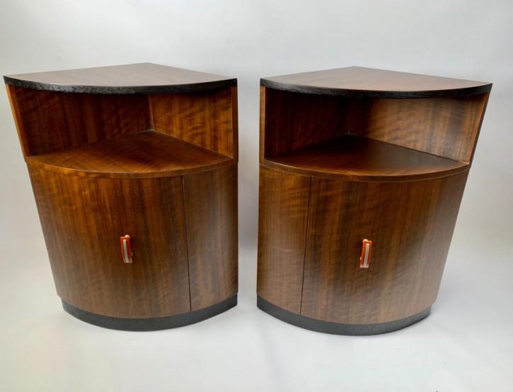 Antikes Paar Art-Deco-Eckschränke von 1930