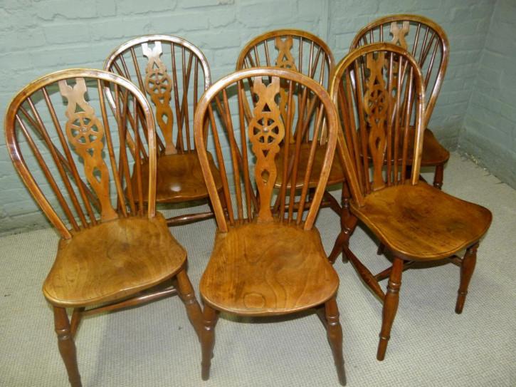 Antikes Set mit sechs Windsor-Stühlen aus Eibe