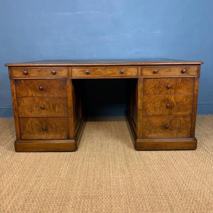 Viktorianischer Pedestal Partners Desk Walnussholz Massivholzantik 1840