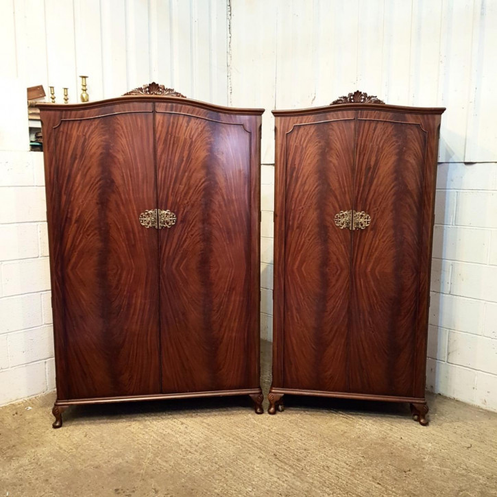 Antikes Paar Mahagoni Damen & Herren Kleiderschränke