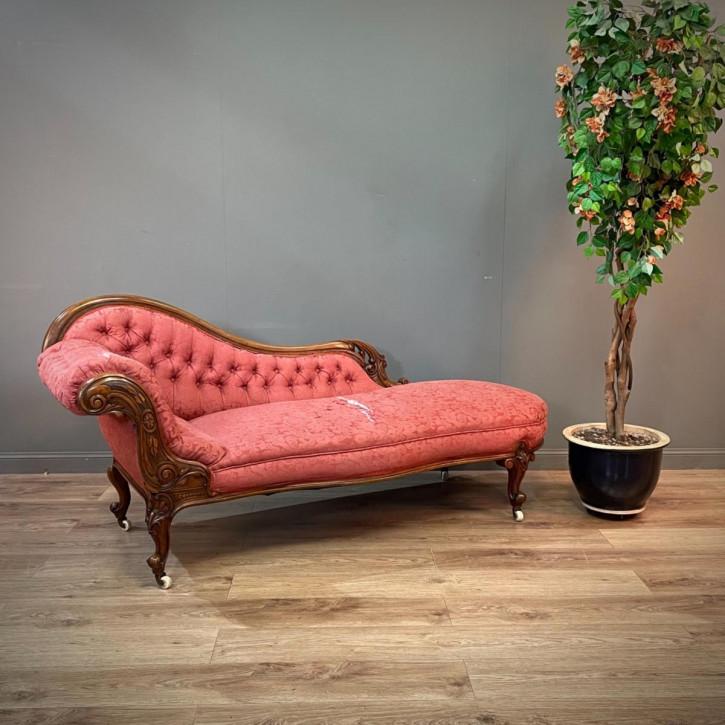 Antike Chaise Longue mit massivem Nussholzrahmen victorian