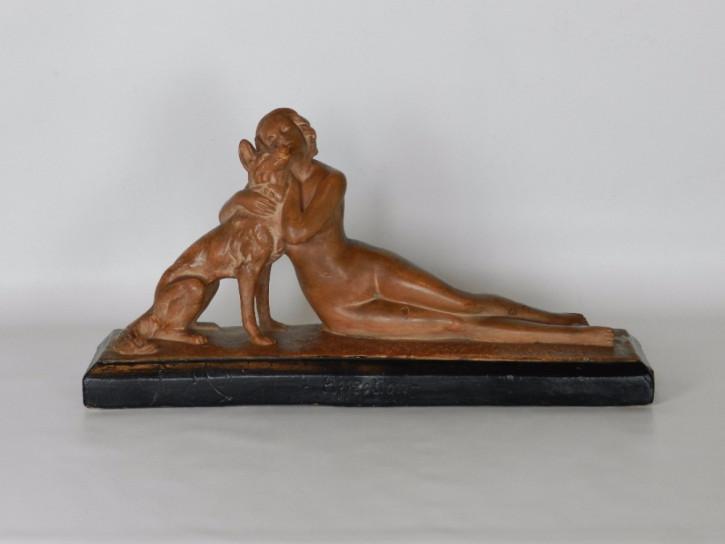 """Art Deko Skulptur 'Affection' von Bacci  320 France"""" signiert aus den 1920er Jahren."""