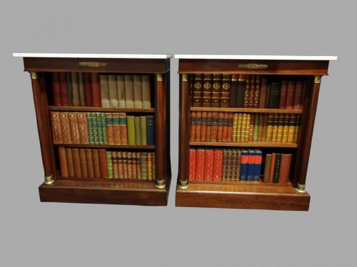 Schönes Paar Mahagoni Bücherschränke Regency 1920