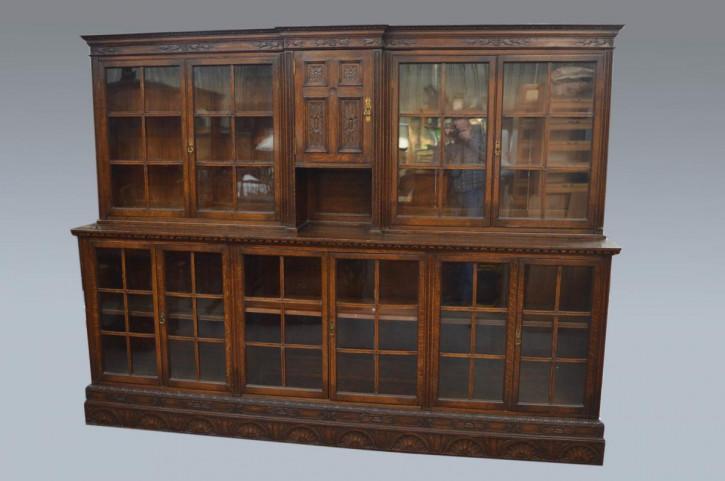 Großer Bücherschrank mit zehn Türenlarge aus geschnitzem Eichenholz, Edwardian 1890