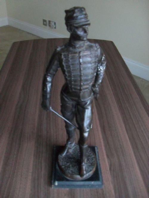 Cast Bronze of Prussian Officer on Plinth Base   Bronzegussfigur eines preußischen Offiziers von ca. 1930