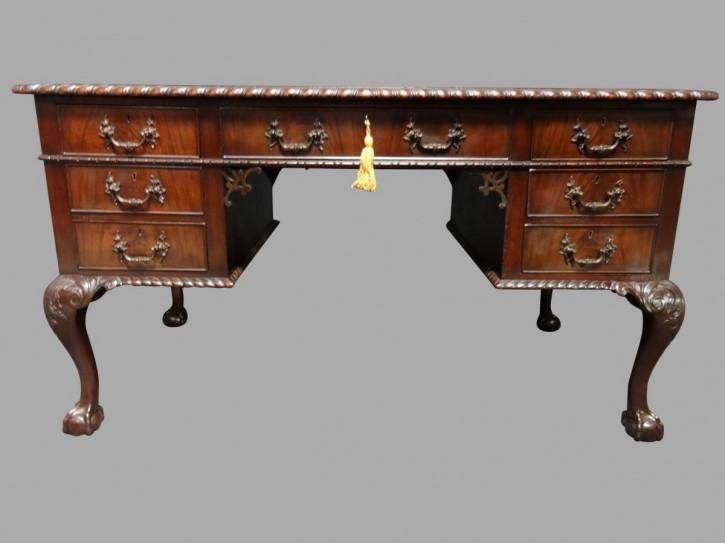 Hochwertiger Mahagoni Chippendale Knieloch Schreibtisch