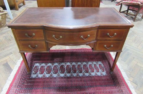 Antiker Edwardian Schreibtisch von Edwards & Roberts Orginal