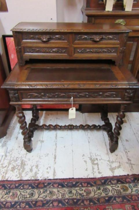 Antiker Französischer Eichen Schreibtisch aus dem 19 JH