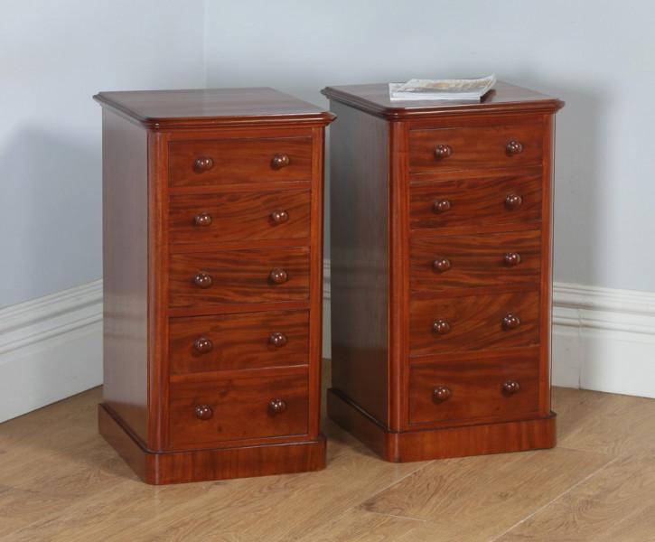 Antikes Paar englischer viktorianischer Mahagoni Nachtische (ca. 1860) Orginal Massivholz