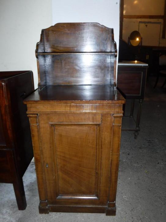Praktischer  kleiner Schrank aus dem frühen 19. Jhd (Regency-Zeit), Eichenholz