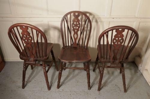Ein Satz von 4 viktorianischen Buchen & Ulmen Windsor Esszimmerstühlen Massivholz