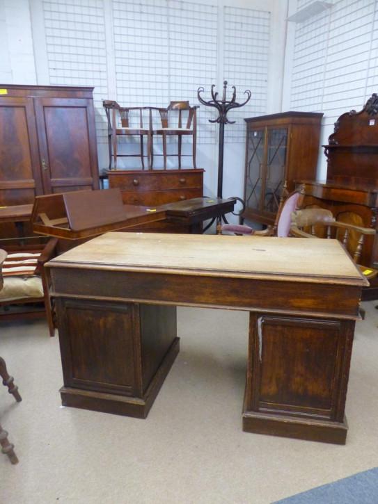 Englischer antiker Eiche Massivholz Schreibtisch 1920