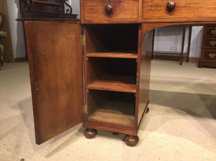 Viktorianischer Mahagoni Massivholz Schreibtisch antik 1850
