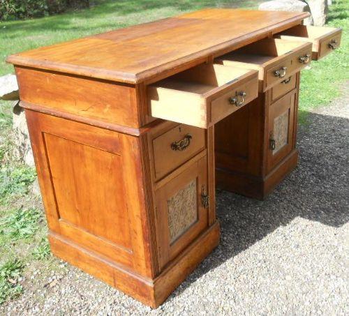 Edwardianischer antiker Nussbaum Schreibtisch englisch ca 1900