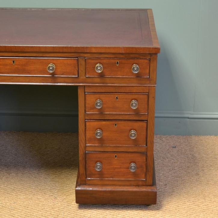Englischer Viktorianischer Antiker Mahagoni Schreibtisch ca. 1880