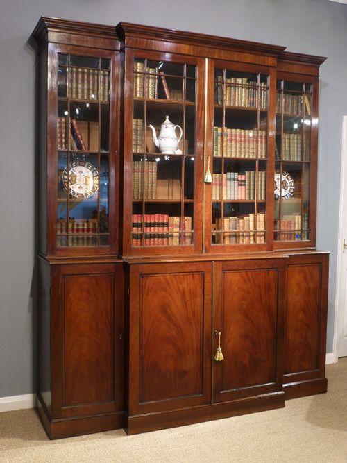 George III. Englisches Antikes Breakfront Mahagoni Bücherregal ca. 1790
