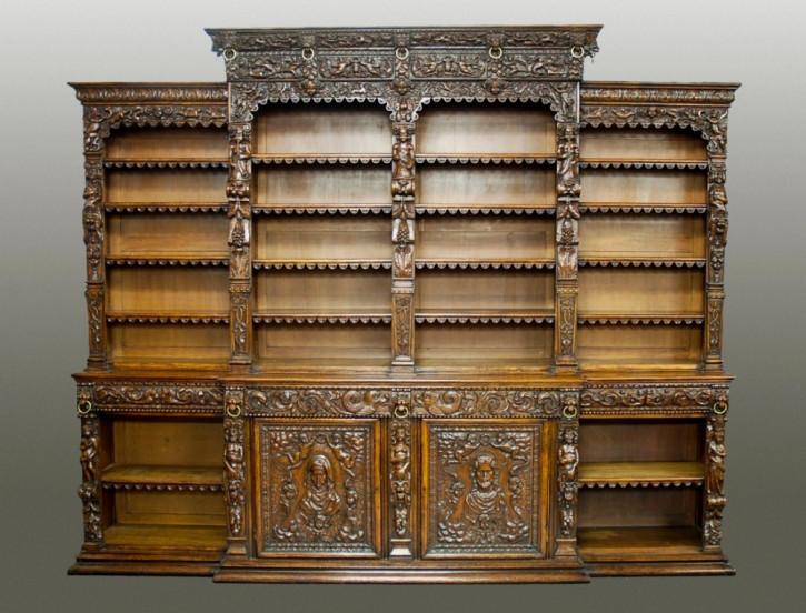 Englisches Antikes Eichenholz Breakfront Bücherregal im Renaissancestil ca. 1860