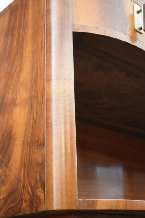 Art deco Englisches Antikes Nussbaum Sideboard ca. 1930