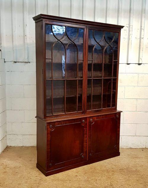 Regency Englisches Antikes Mahagoni verglastes Bücherregal ca. 1820