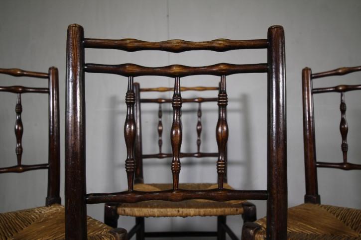 4 Antike Englische Ulmen Esche Esszimmerstühle ca. 19. Jh.